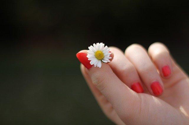 paznokcie wiosna